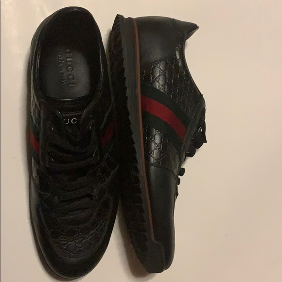 0998042c Gucci Shoes | Black Red And Green Sneakers Slightly Used | Poshmark
